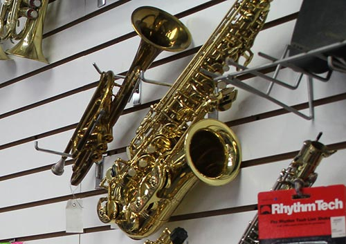 Musical instruments in Azusa Pawn