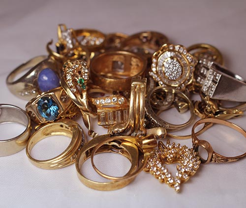 Gold and Silver Jewelry in Azusa Pawn, California