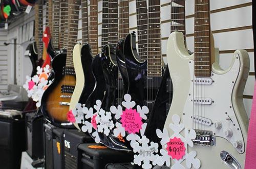 Guitars in Azusa Pawn, California