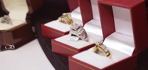 Best place to buy golden ring in Azusa, California